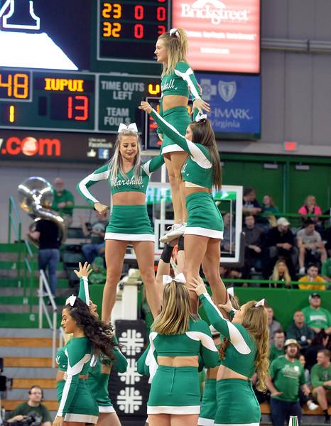 cheerleaders0508.jpg