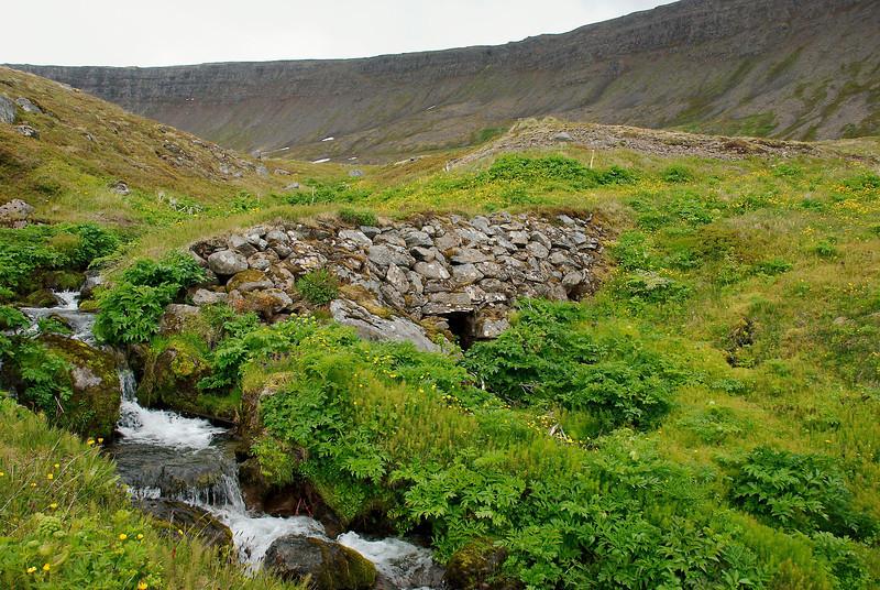 Brú við Garða í Aðalvík.