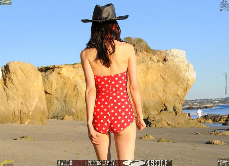 matador swimsuit malibu model 1101..00...jpg