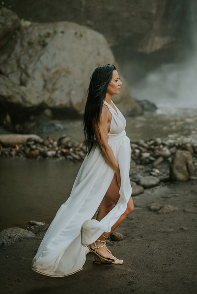 VTV_family_photoshoot_with_waterfall_Bali (84).jpg