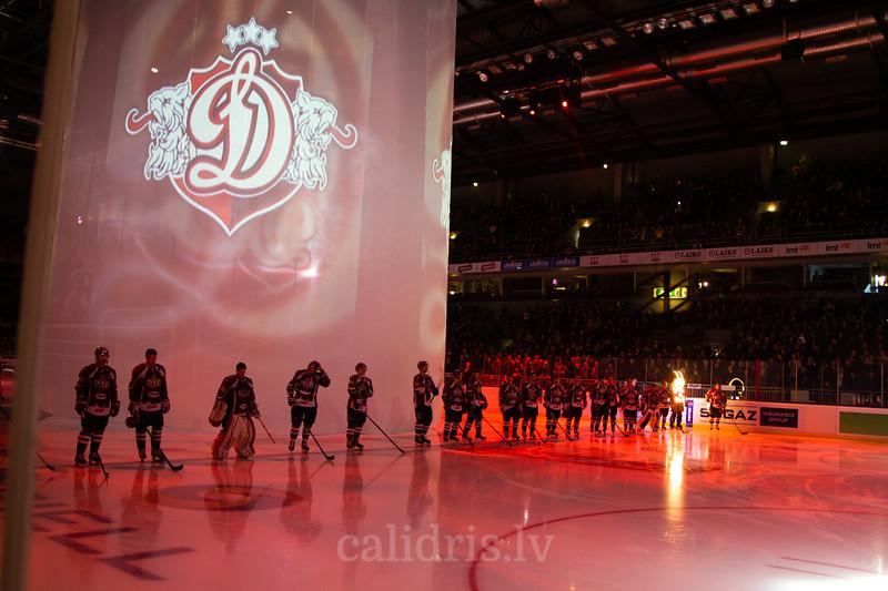 Dinamo Riga komanda pirms spēles atklāšanas ceremonjas laikā