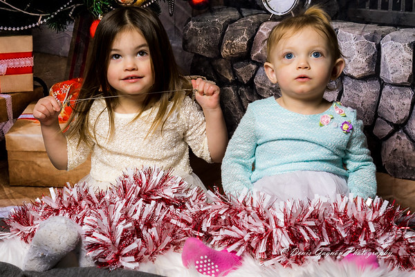 181201 Becas Family Christmas Pictures