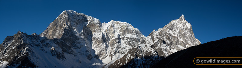 (L-R) Tabuche 6495m, Cholatse 6335m and Arakam 6423m near Dughla. Can be printed to over 120cm/48in width
