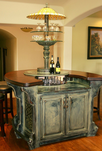 Circular Bar and Table with Antique Finish