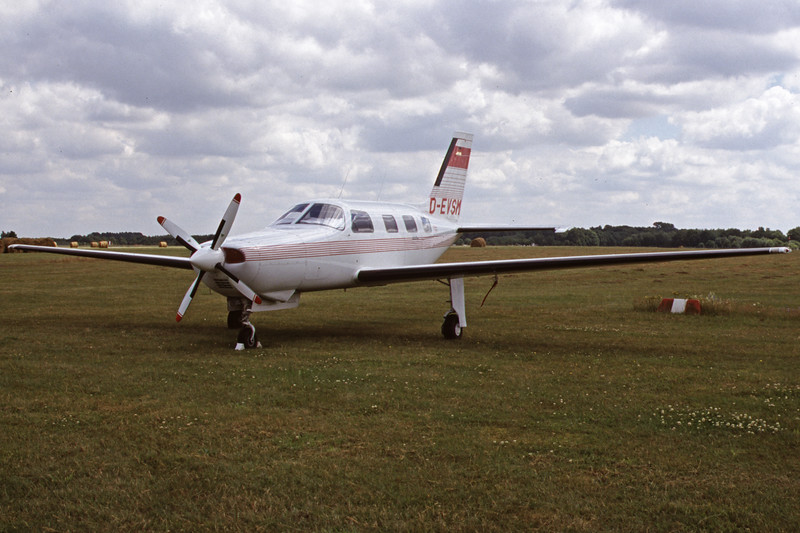 D-EVSM-PiperPA-46-350PMalibuMirage-Private-EDHL-2000-07-16-IU-04-KBVPCollection.jpg