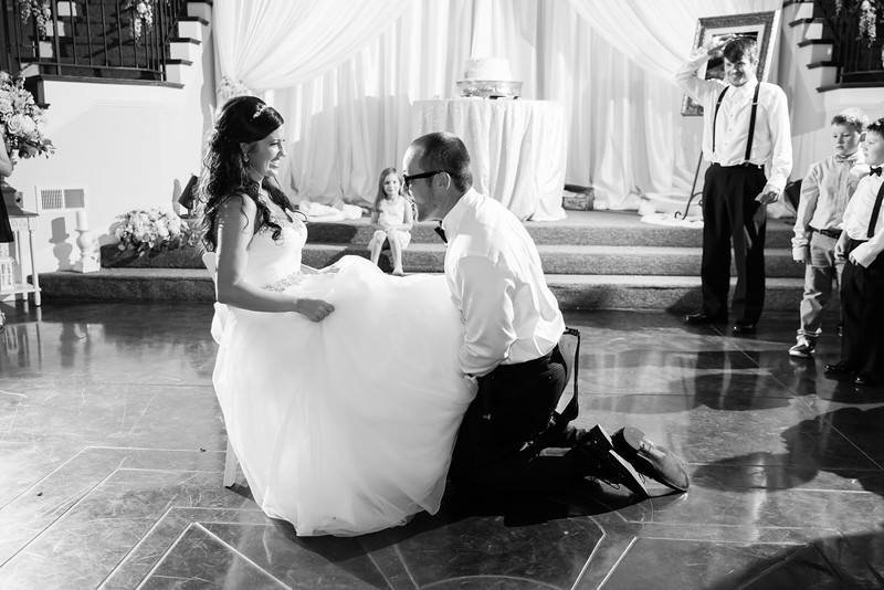 1102_Josh+Lindsey_WeddingBW.jpg