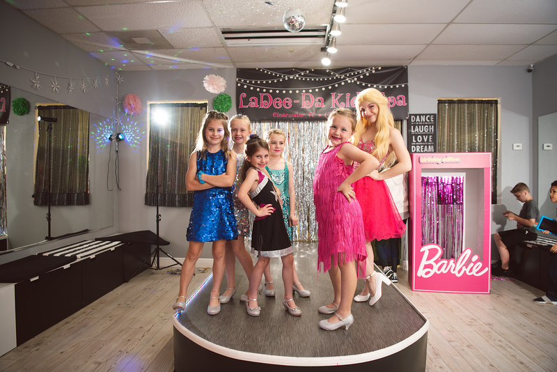 2020-0104-delaney-barbie-party-69.jpg