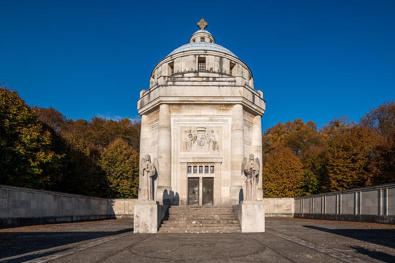 Krasnohorske podhradie mauzoleum-29.jpg