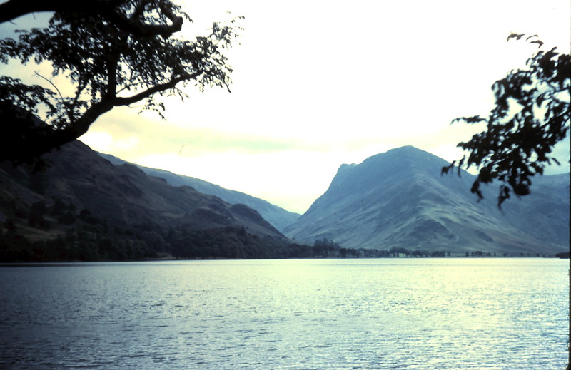 1959-9-15 (29) View of lakes @ Buttermere, Nort England.JPG
