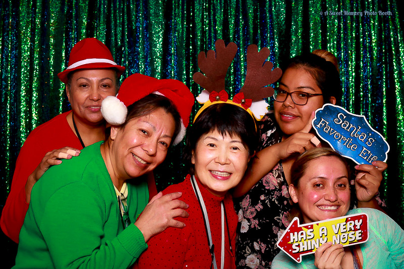 Medtronic Holiday Party -344.jpg
