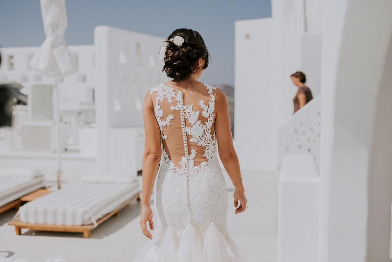 Tu-Nguyen-Destination-Wedding-Photographer-Santorini-Rocabella-Hotel-Euna-Ehsan-179.jpg