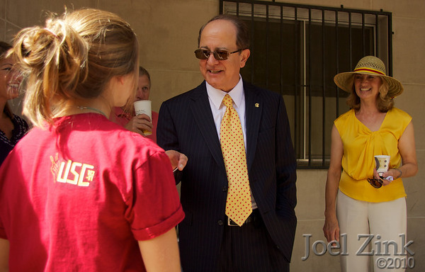 President Nikias Move In Day Visits 2010