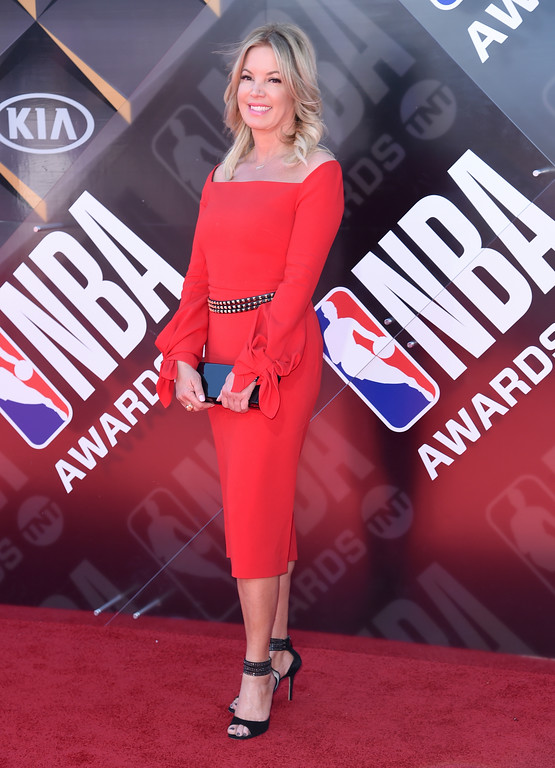 . Jeanie Buss, president of the Los Angeles Lakers, arrives at the NBA Awards on Monday, June 25, 2018, at the Barker Hangar in Santa Monica, Calif. (Photo by Richard Shotwell/Invision/AP)
