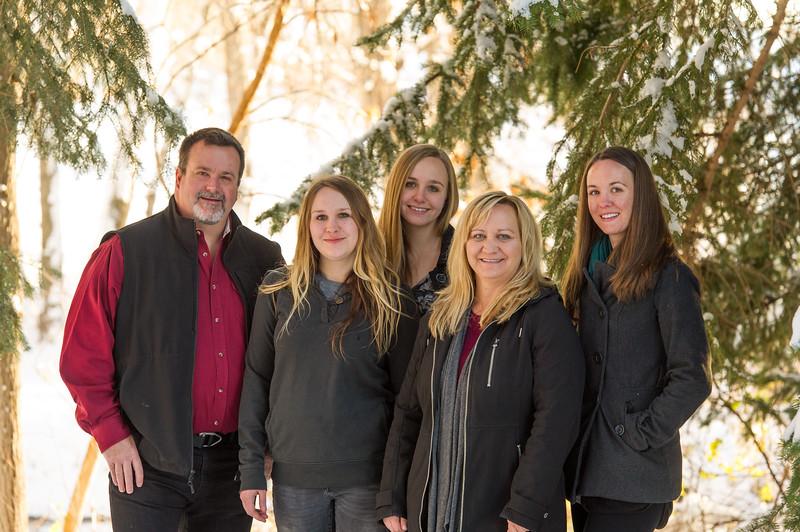 2016_DaBell Winter Family Portraits_0041.jpg