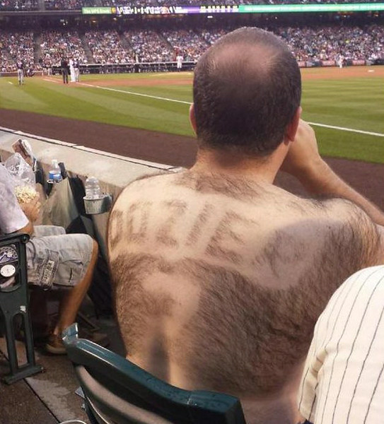 """. 5. BACK HAIR <p>What separates humans from bears is that bears wouldn�t waste their time shaving Brian Dozier�s name onto their back. (unranked) </p><p><b><a href=\""""http://blogs.twincities.com/twins/2014/07/13/twinsights-brian-dozier-salutes-shirtless-twins-fan-with-stylized-back-hair/\"""" target=\""""_blank\""""> LINK </a></b> </p><p>   (Twitter photo)</p>"""