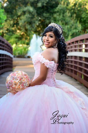 Angie Quince Pictures