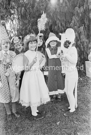 Bedgrove County Infant School play, Dec 1975
