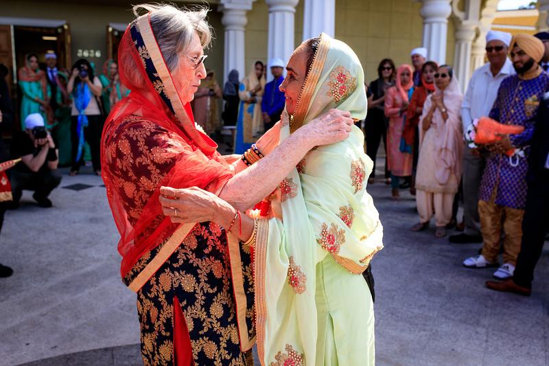 Neelam_and_Matt_Gurdwara_Wedding-1297.jpg