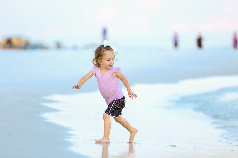 Harper at the beach-35.jpg