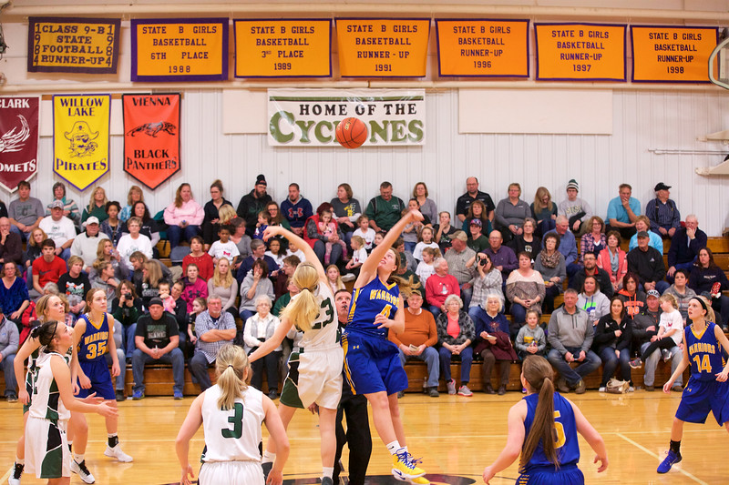 '17 Cyclones Girls Basketball 344.jpg