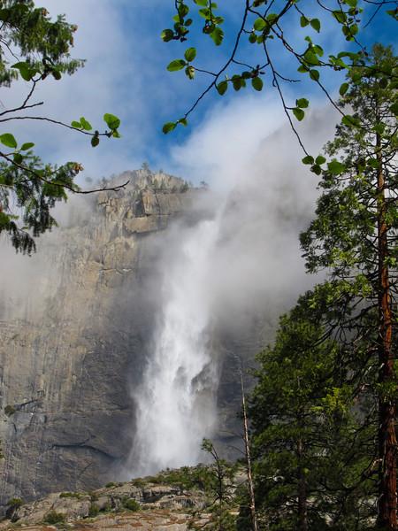 YOS-140422-0001 Upper Yosemite Falls