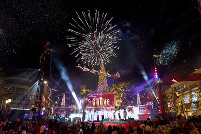 11.17.19 Christmas at The Grove- Show