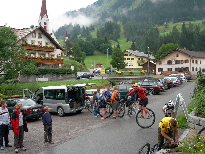 August 2 (23km/490m): About to start riding from Holzgau to Lech, Austria.  Maps/GPS/Heart rate: at Motionbased in GoogleEarth at Google Maps