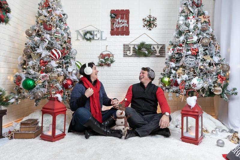 12.21.19 - Marceli's Christmas Photo Session 2019 - -20.jpg