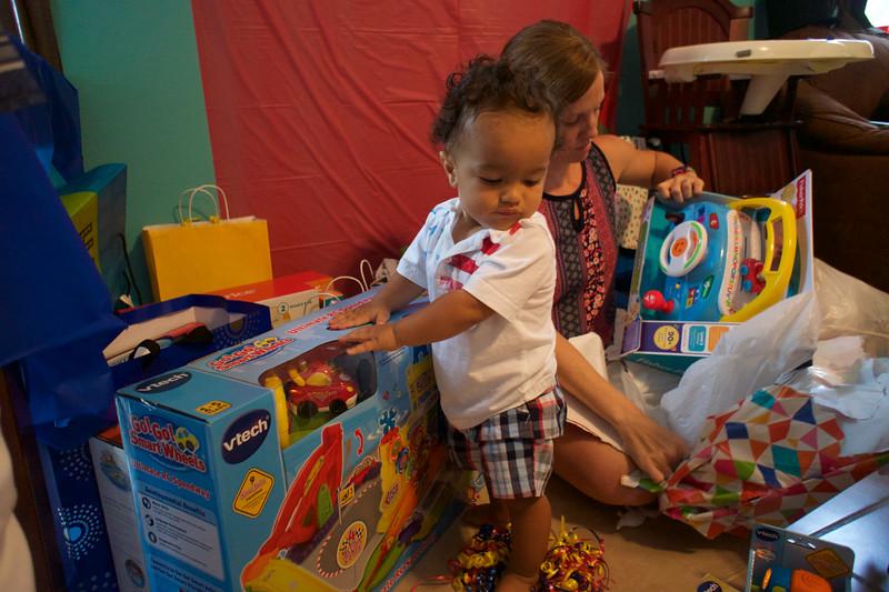 LINCOLN 1st BIRTHDAY PARTY_ 194.jpg