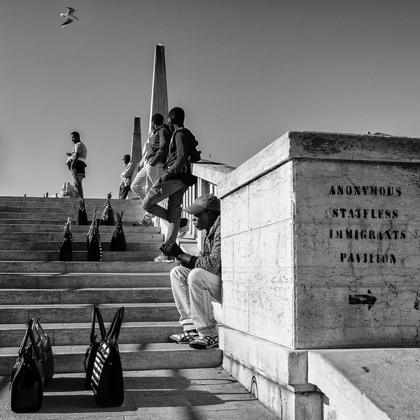 Purse Peddlers of Venice