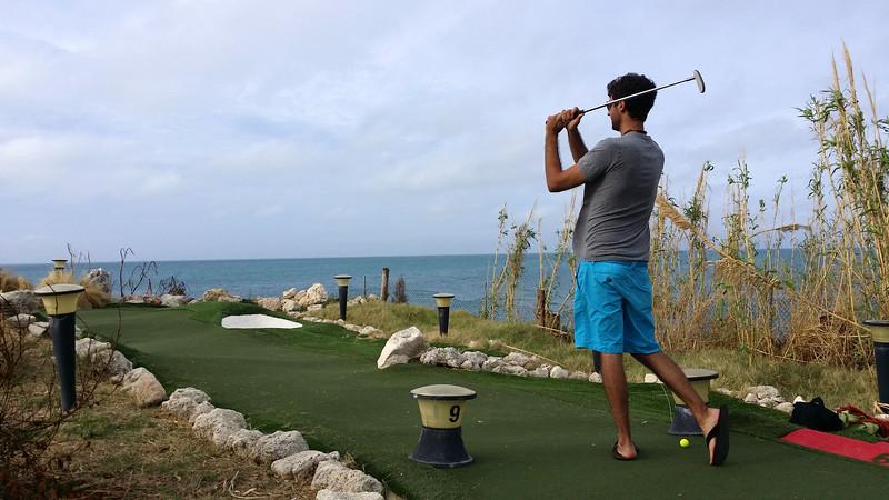 Bermuda-Fun-Golf-Mini-Golf-04.jpg