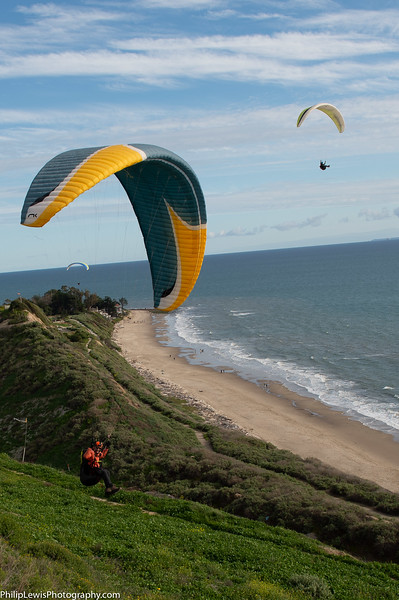 Paragliders in Carpinteria-31.jpg