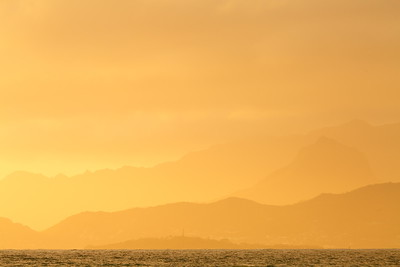 Sunrise glow above Kaneohe Bay © 2019 Kenneth R. Sheide