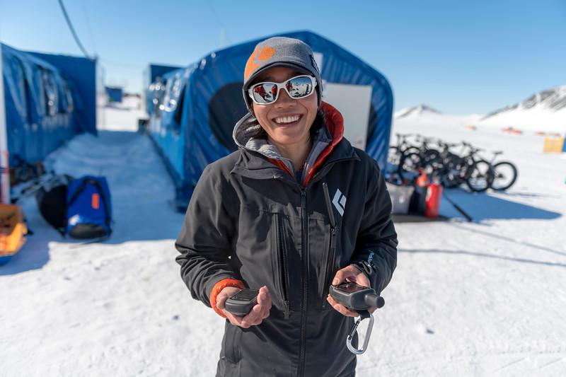 Climb Antarctica Women -1-11-18098695.jpg