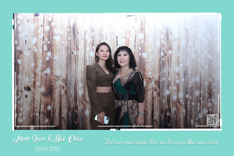 QC-wedding-instant-print-photobooth-Chup-hinh-lay-lien-in-anh-lay-ngay-Tiec-cuoi-WefieBox-Photobooth-Vietnam-cho-thue-photo-booth-098.jpg