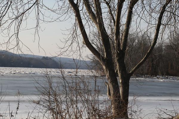 Conn. River Ice  01-21-18