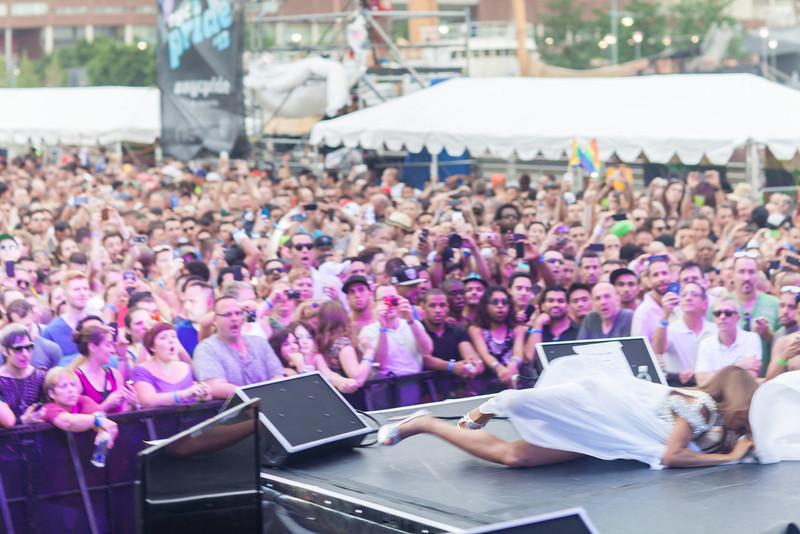 2013-06-30_NYC_Pride02_365.jpg