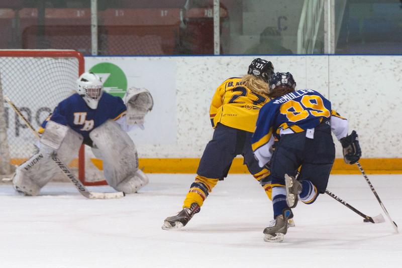 20130310 QWHockeyvsUBC 304.jpg