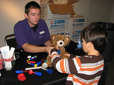 Durhan Museum of Life and Science Teddy Bear Clinic 110610
