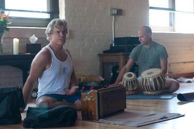 Tim Miller & Quinn Kearney-Hanuman Chalisa at Yogaview