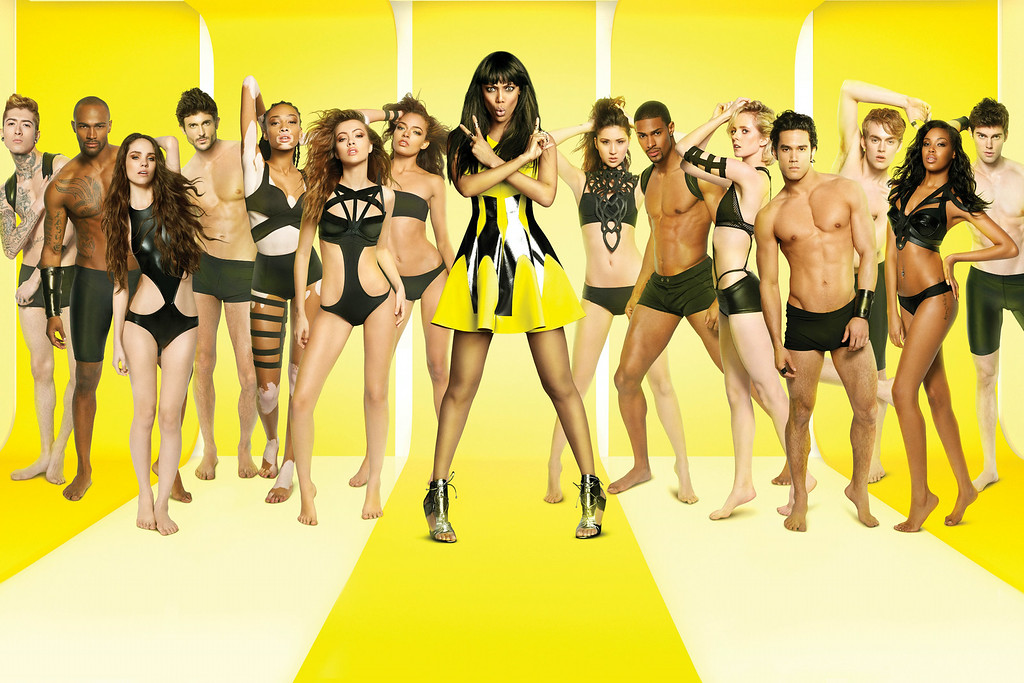 . Tyra Banks (Center) with Cycle 21 Contestants (L-R) Romeo, Keith, Lenox, Matthew, Chantelle, Mirjana, Kari, Shei, Denzel, Ivy, Adam, Will, Raelia and Ben -- Credit: Massimo Campana & Trever Swearingen/Pottle Productions Inc. -- 2014 Pottle Productions Inc. All Rights Reserved