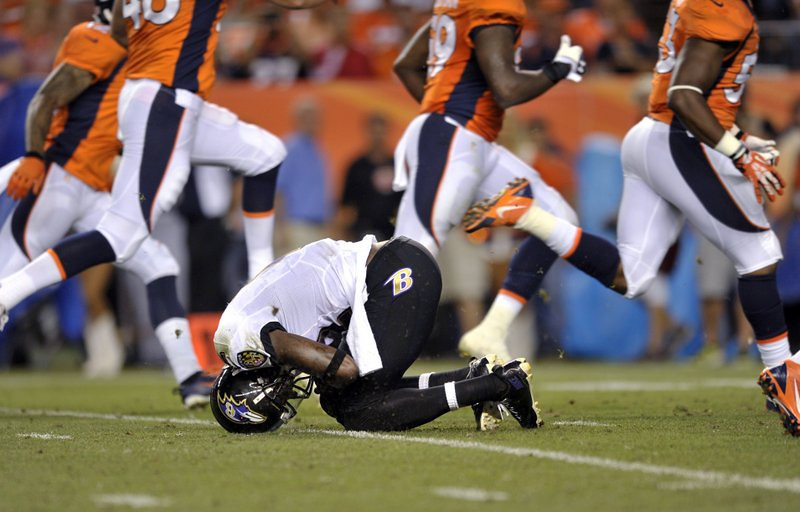 . <p><b> Ravens at Bills (+3):</b>  <p>Baltimore receiver Jacoby Jones has been ruled out of Sunday�s game because of his sprained knee. He apparently aggravated the injury while trying to catch flying champagne bottles with his head on Bryant McKinnie�s Love Bus. <p>Pick: <b>Ravens by 7</b> <p>   (AP Photo/Jack Dempsey)