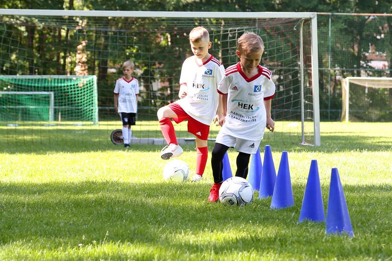 hsv_fussballschule-187_48048031752_o.jpg