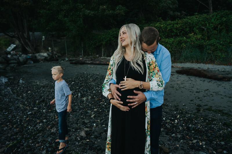 SeattleFamilyPhotographer-DahlBeachSneaks-1-5.jpg