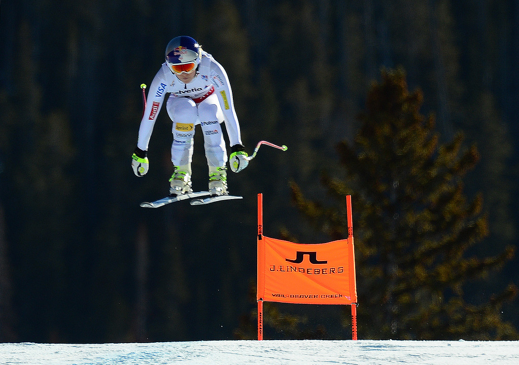 . Lindsey Vonn, (USA), flies over the Red Tail jump, the last jump, in the Women\'s downhill race in the FIS Alpine World Ski Championships in Beaver, CO. February 6, 2015. Vonn came in 5th the race. (Photo By Helen H. Richardson/The Denver Post)