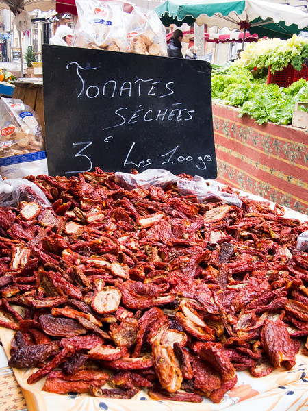aix en provence market sundried tomatoes-3.jpg