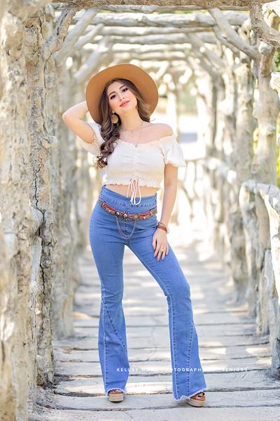 Danielle-4-2.jpg