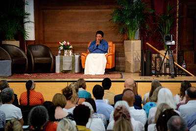 London  2018: An evening with Mooji at the Light, Friends House