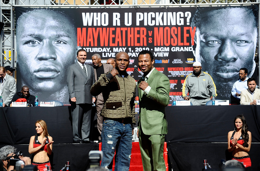 ". (L-R) Floyd ""Money\"" Mayweather poses with Sugar Shane Mosley during a press conference on their upcoming fight. The two will fight on May 1 at the MGM grand hotel in Las Vegas. The fight will be shown on HBO on PPV.  Los Angeles CA.  March 4,2010. Photo by Gene Blevins/LA Daily News"