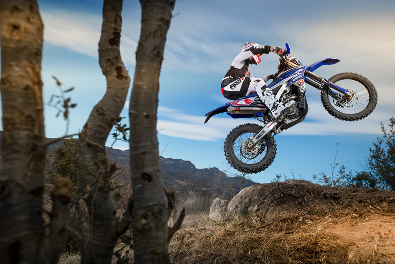 2016_Enduro2_Outsiders_Official_WR450F_Larrieu_Action 4.jpg